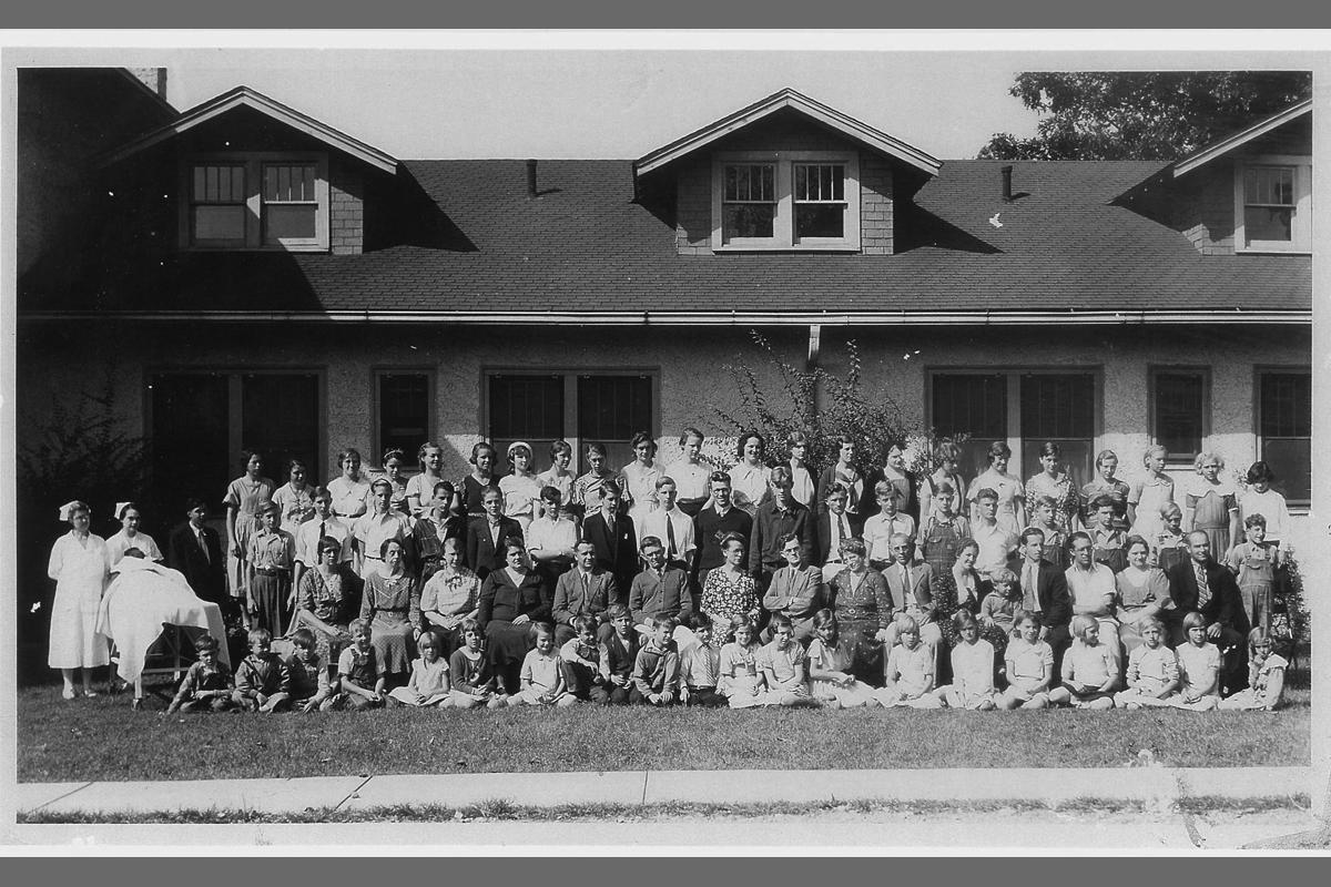 30s students in front of sanitarium-web